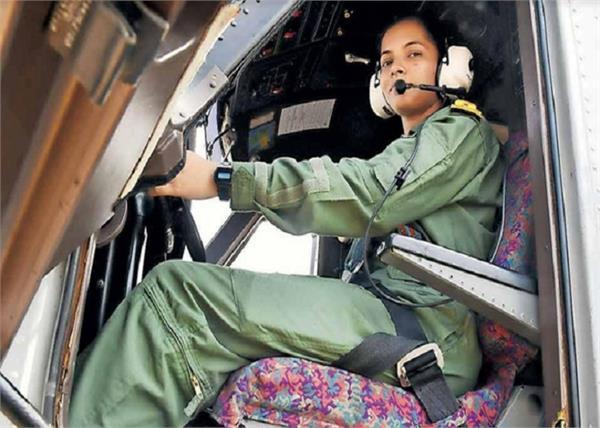 भारतीय नौसेना की पहली महिला पायलटबनेगी बिहार की बेटी शिवांगी