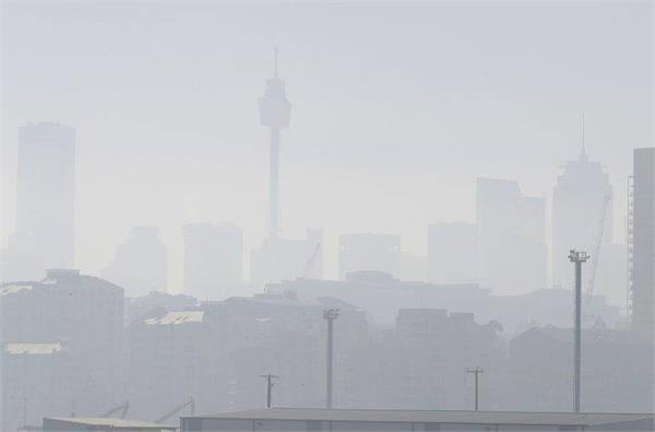 australia fires send haze over sydney and adelaide