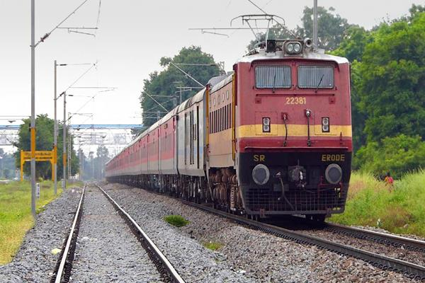 irctc earns 63 crores in 1 month on convenience fee