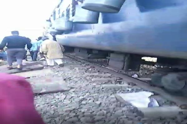 crack came on railway track big accident averted