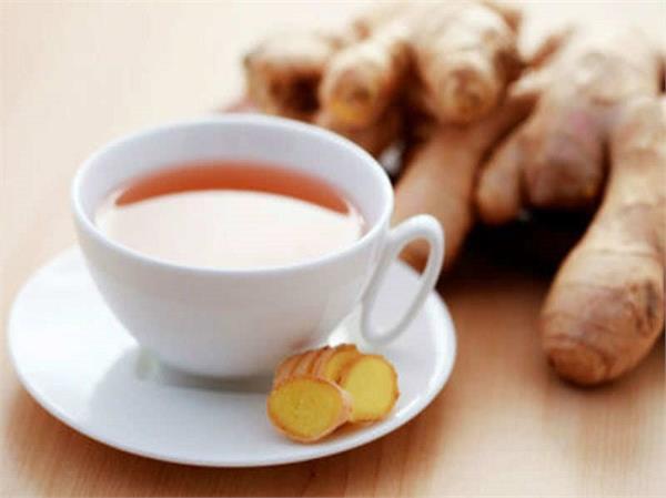 Health Tips: अदरक की चाय से करें दिन की शुरूआत फिर देखिए कमाल
