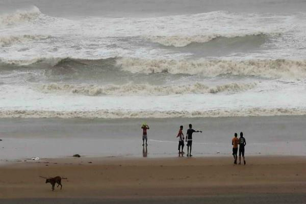 cyclone bulbul can knock in bengal today