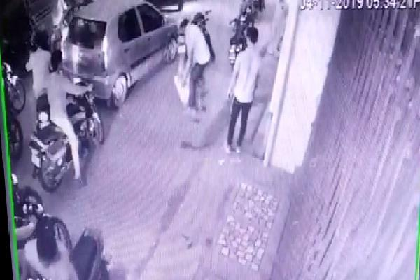 azamgarh brother in law beaten up by brother in law for getting medicine