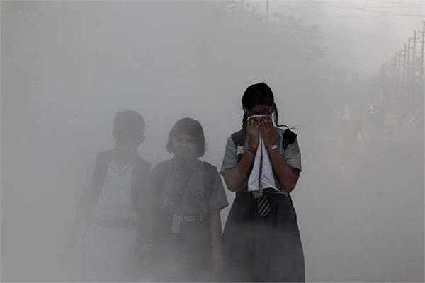demand for clean air in cyber city by high class to working class people