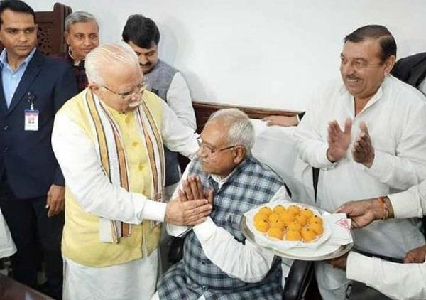 haryana ministers took charge cm made everyone sit on the chair