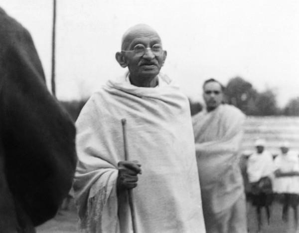 odisha  claim in official handbook gandhiji died of accident
