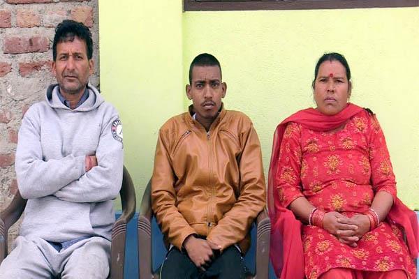 helpless family in mandi