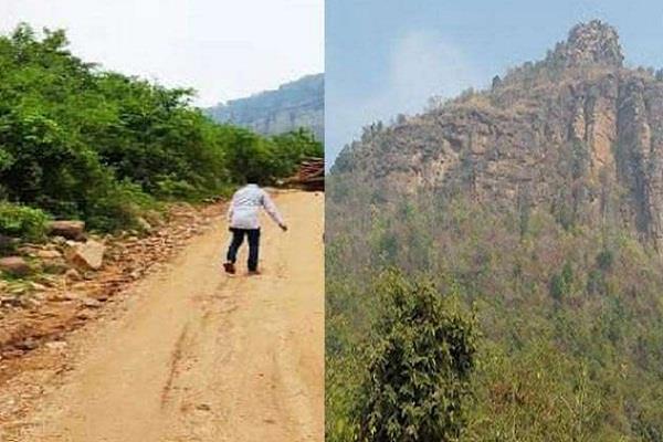 chhattisgarh naxalites roads congress
