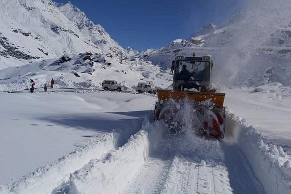 rohtang pass can be restored for vehicles by late evening