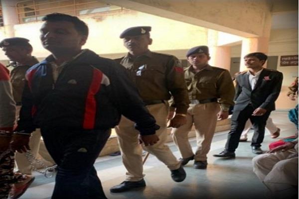 cbi sentence 31 accused vyapam scam all imprison 7 7 yrs 10 yrs main accused