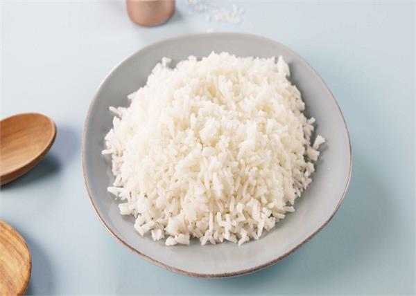 कुकर की बजाए इस तरह बनाएं चावल, दूर होगा मोटापा