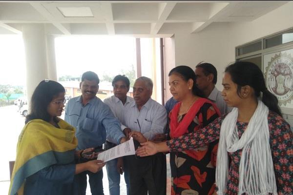 abuses nephew minister lakhan singh case ratlam ceo  bdo 2 strike