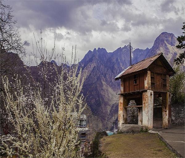 मंदिरों के लिए जाना जाता है उत्तराखंड, खूबसूरत पहाड़ भी है इसकी शान