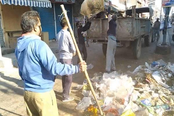 gabbars fear of haryana politics employees reach office even on holiday
