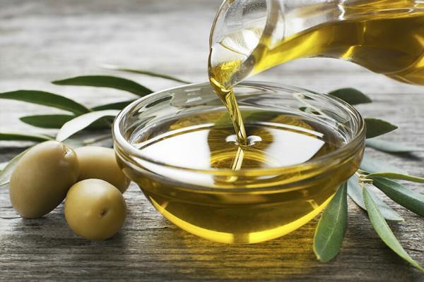 sluggish edible oils due to sluggishness abroad softening in oilseeds also