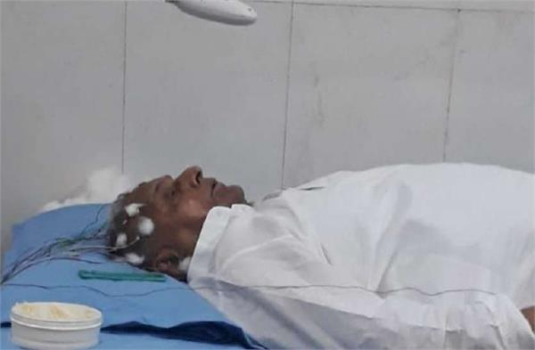 mulayam singh worsens again treatment under emergency in pgi