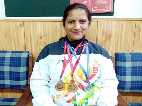 poonam thakur win the gold and silver medal