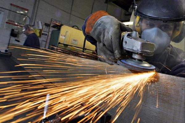 industrial production slipped 4 3 in september fall for second