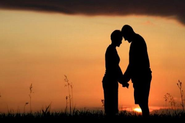 wife did not forget lover even after 7 years of marriage