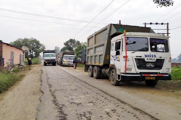 20 truck seized on illegal mining and overloading