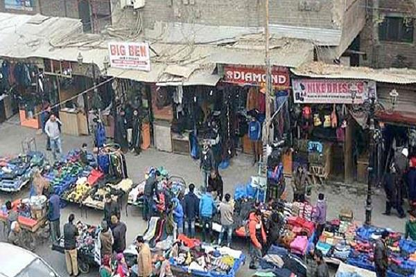 kashmir markets open till noon number of vehicles increased