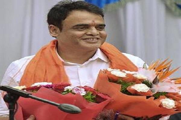 ruckus in congress jd s  no threat to bjp government narayan