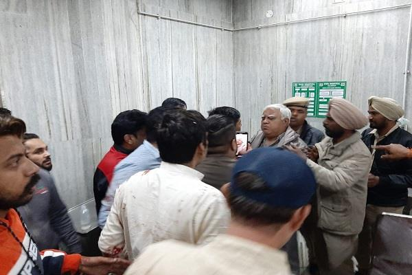 civil hospital after violent dispute between 2 parties in bus stand