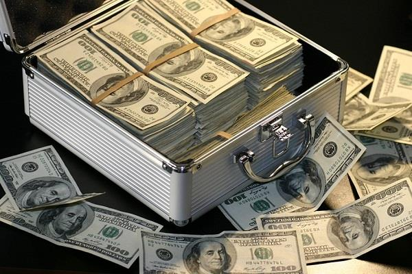 us  1 38 lakh seized by train in bengal mother son arrested