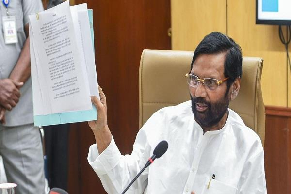 delhi water dispute paswan challenges kejriwal