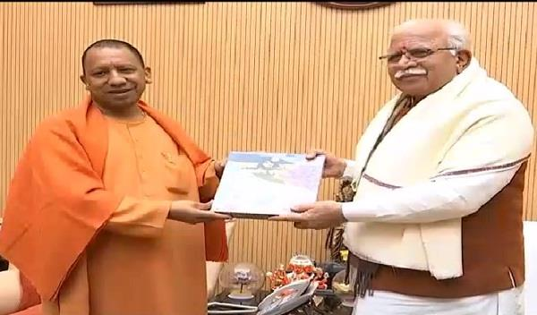 chief minister manohar discussed important issues with cm yogi in lucknow