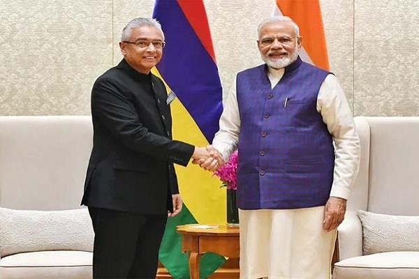 pm modi meets the prime minister of mauritius discussed these issues