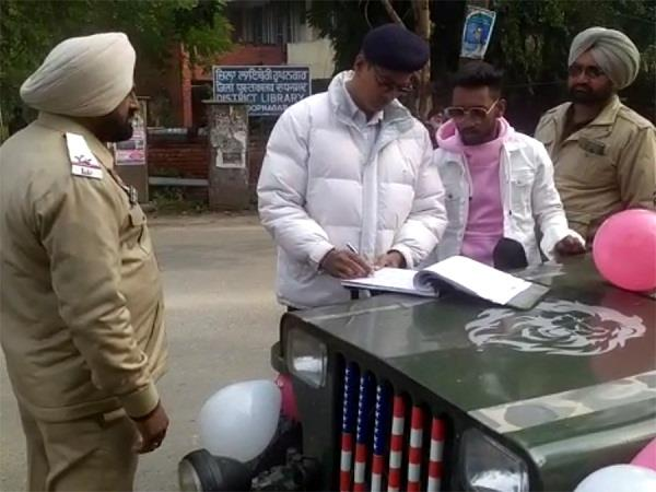 traffic police cut challan open jeep for 40 thousand