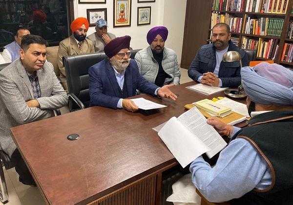 cm asked to take immediate action on the demands of traders