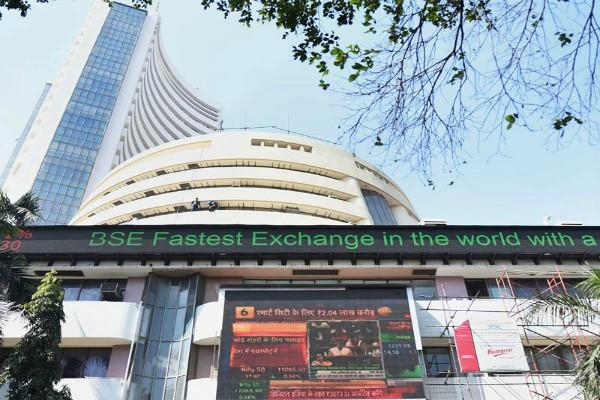 market rises 85 points and nifty around 11880