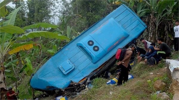 at least 24 dead after bus falls into ravine in indonesia