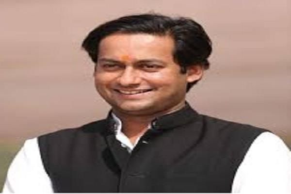 kamal nath s minister is comment on shivraj s tweet