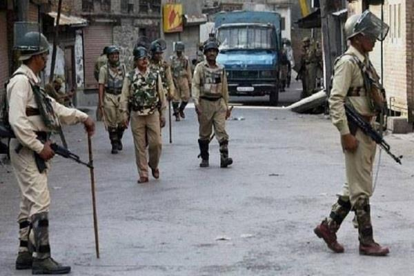 deteriorating situation in jabalpur curfew in 4 police stations