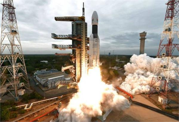 isro demands rs 75 crore from center for chandrayaan 3