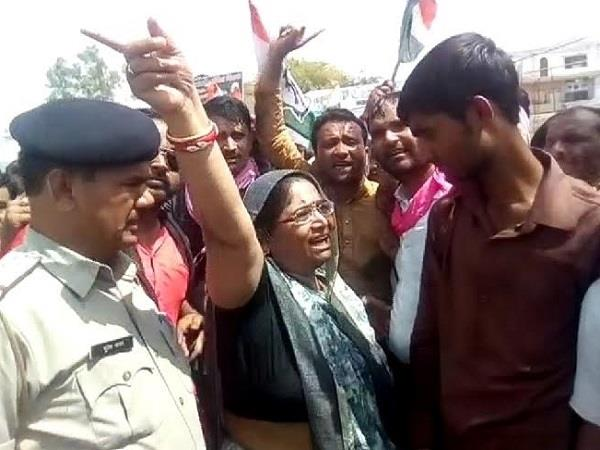 former congress mla shakuntala khatik sentenced to 3 years