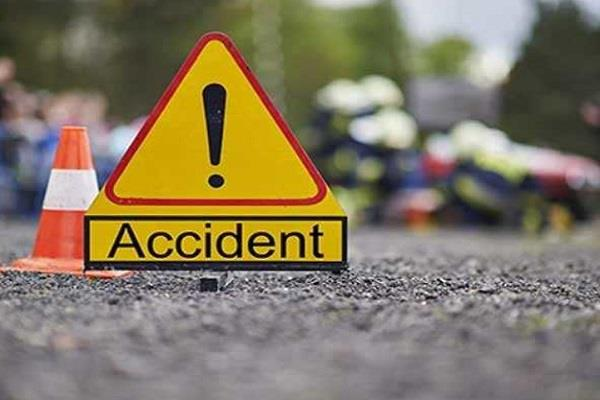 4 people died in road accident in same family