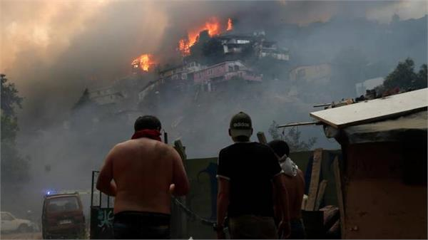 families homeless on christmas after forest fire in chilean