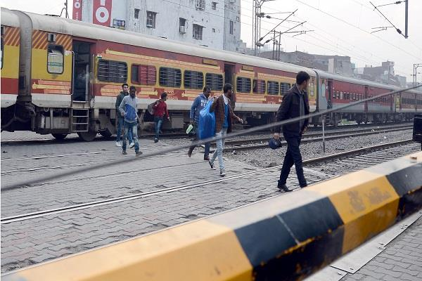 shivala railway gate trouble for people