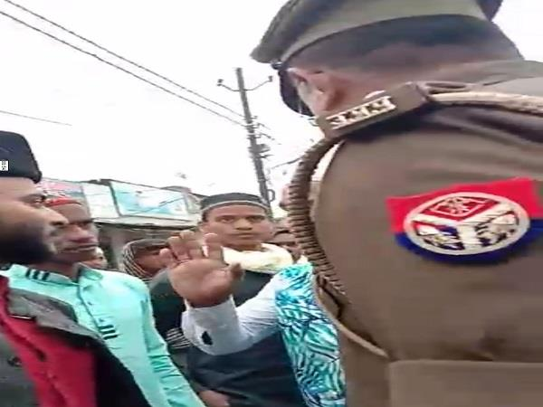 these inspectors of banaras openly threaten to rip off the video went viral