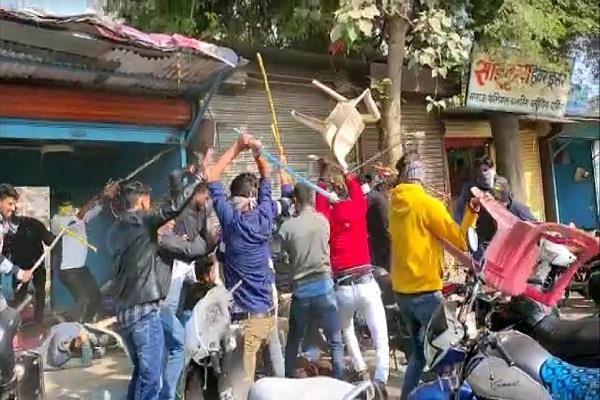 gangster arrest ratlam broad daylight police arrest 4 accused