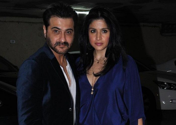 शादी की सालगिरह पर संजय ने शेयर की फोटो, बॉलीवुड सितारों ने दी बधाई - sanjay kapoor shares throwback picture-mobile