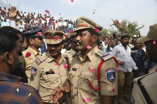 hyderabad encounter people shouted slogans of police zindabad