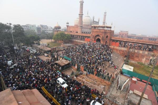 delhi slogans against caa at jama masjid after namaz