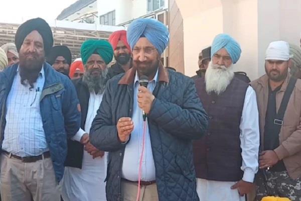 cabinet minister randhawa raises questions on captain sarkar