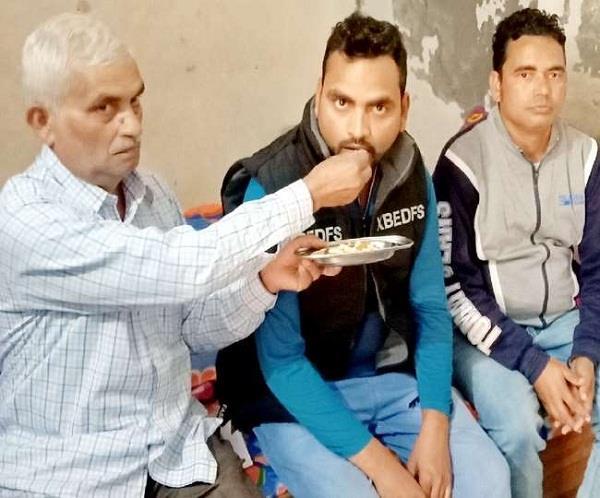 suresh tiwari told his painful tragedy
