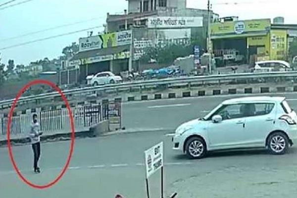 this youth commits theft in buses police continues advisory